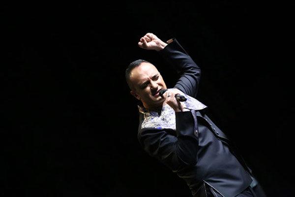 احسان کرمی مجری مراسم افتتاحیه جشنواره فیلم فجر 35