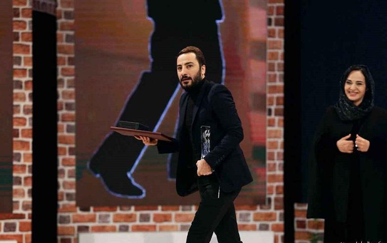 عکس لحظه سیمرغ گرفتن نوید محمدزاده در جشنواره فیلم فجر 35