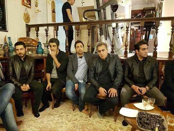 عکس های حضور بازیگران سینما و هنرمندان در منزل علی معلم