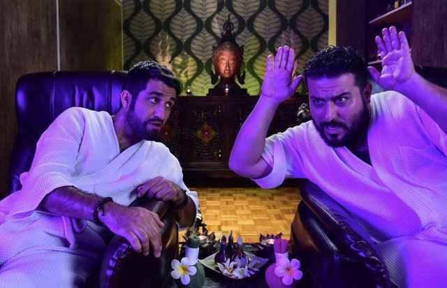 پژمان جمشیدی و محسن کیایی در فیلم لونه زنبور