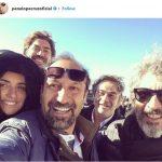 """سلی پنه لوپه کروز با اصغر فرهادی در روز اخر فیلم برداری """"همه می  دانند"""""""