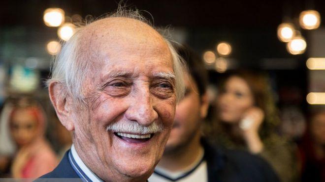 داریوش اسدزاده در سن 96 سالگی درگذشت
