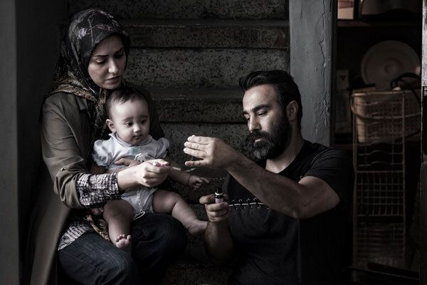 فیلم سه کام حبس با حضور محسن تنابنده و پری ناز ایزدیار